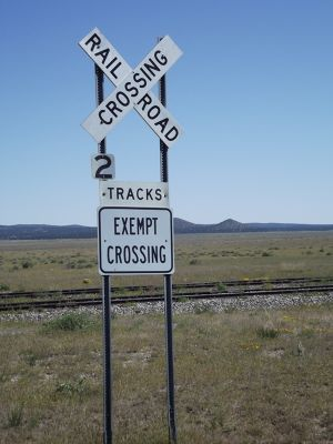 5903878-Railroad_crossing_near_VLA_Socorro.jpg