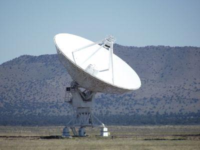 5903883-Antenna_VLA_Socorro.jpg