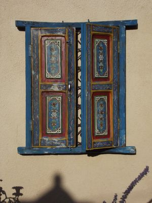 5918451-In_the_courtyard_Santa_Fe.jpg