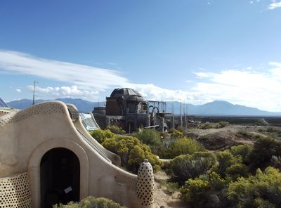 5921099-Earthship_Taos.jpg