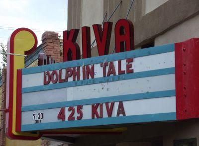5923634-Old_cinema_still_in_use_Las_Vegas.jpg