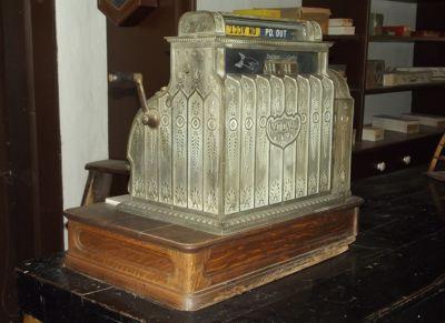 5923670-Cash_register_Lincoln.jpg