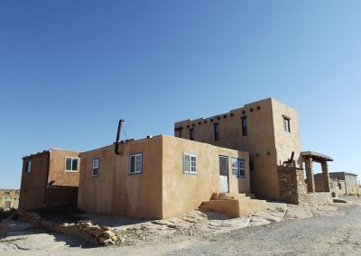5924037-Typical_houses_Acoma_Pueblo.jpg