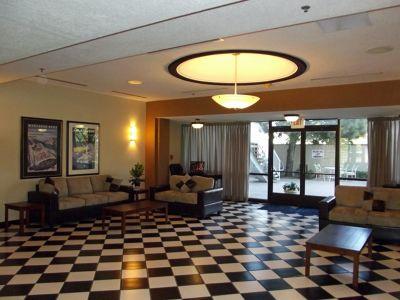 5937618-The_lobby_Albuquerque.jpg