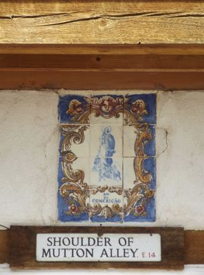 5993811-Old_street_sign_Espanola.jpg