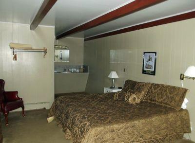 6034694-Our_bedroom_Cimarron.jpg