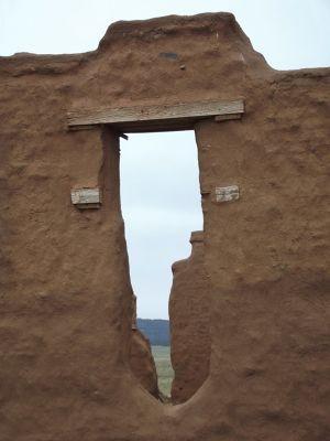 6043787-Hospital_ruins_Fort_Union_Las_Vegas.jpg