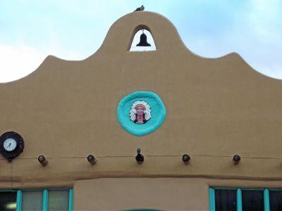 6043790-Adobe_building_on_the_Plaza_Las_Vegas.jpg