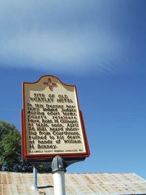 6054424-Sign_outside_Wortley_Hotel_Lincoln.jpg