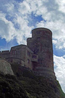 6338182-Bamburgh_Castle_Bamburgh.jpg