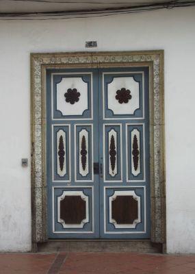 6468778-Colonial_Cuenca_Cuenca.jpg