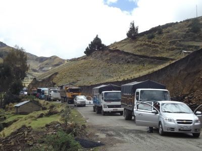 6468916-Road_block_near_Quilotoa_Ecuador.jpg