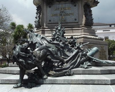 6468957-Monument_to_independence_Quito.jpg