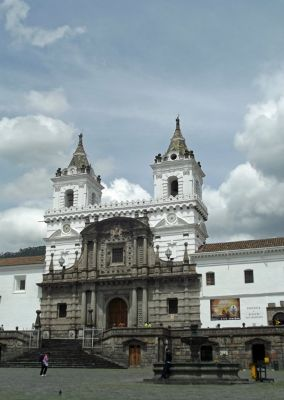6468960-Iglesia_San_Francisco_Quito.jpg