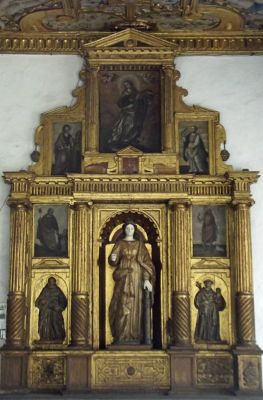 6468963-17th_century_altarpiece_Quito.jpg