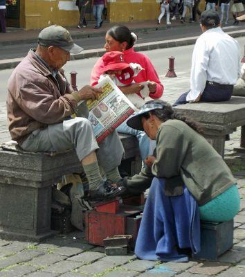 6468969-Shoe_shine_Quito.jpg
