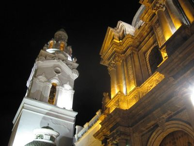 6469010-Cathedral_and_El_Sagrario_Quito.jpg