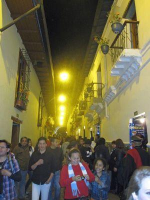 6469085-La_Ronda_Quito.jpg
