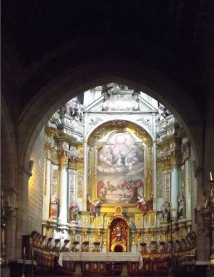 6483763-Altar_Quito.jpg