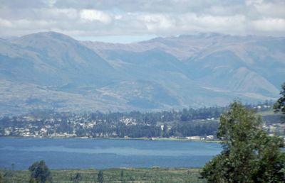 6497661-Lago_San_Pablo_Otavalo.jpg