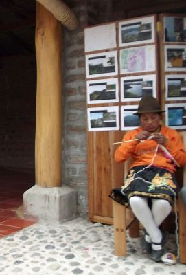 6508662-In_the_cooperative_Laguna_Quilotoa.jpg