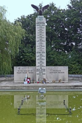 6808948-Polish_War_Memorial_Ruislip.jpg