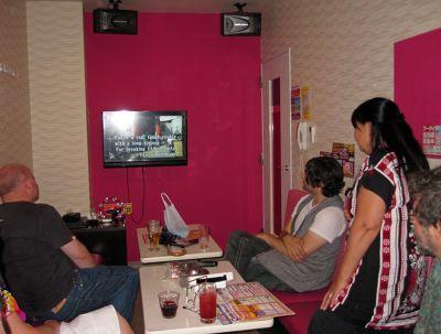 6877324-Karaoke_Japan.jpg
