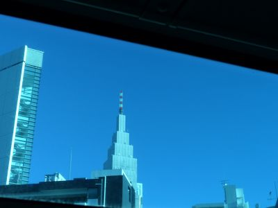 6888335-Seen_from_the_bus_Tokyo.jpg