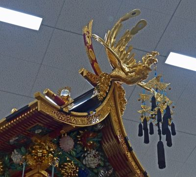 6927660-Float_detail_phoenix_Takayama.jpg