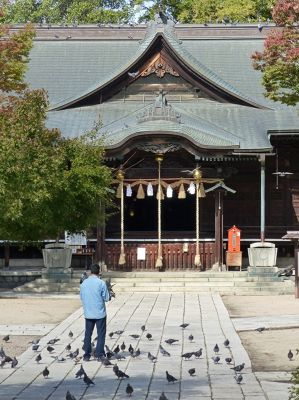 6935487-Yohashira_Shrine_Matsumoto.jpg