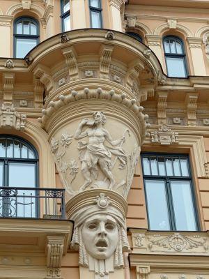 7081516-More_Art_Nouveau_treasures_Riga.jpg