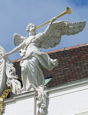 7113665-Hofburg_Palace_Vienna.jpg