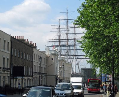7146484-At_the_end_of_the_road_Greenwich.jpg