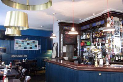 7146538-Good_pub_lunch_Greenwich.jpg