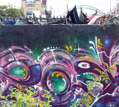 7151113-Local_grafitti_Newcastle_upon_Tyne.jpg
