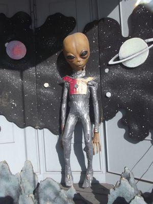 731051375923664-More_alien_e..ll_Roswell.jpg