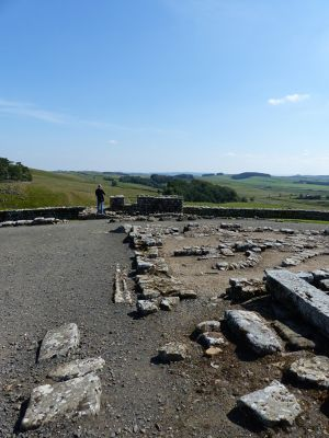 7464350-Barracks_Housesteads.jpg