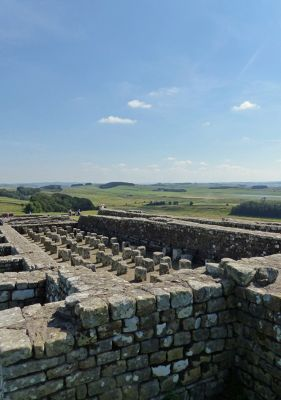 7464351-Granary_Housesteads.jpg