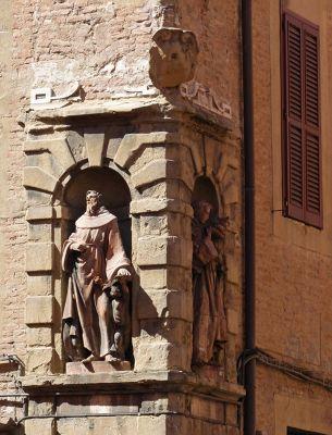 7491442-On_Via_Urbana_Bologna.jpg