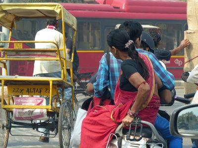 7516447-Delhi_traffic_Delhi.jpg