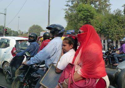 7516448-Delhi_traffic_Delhi.jpg