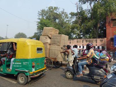 7516449-Delhi_traffic_Delhi.jpg