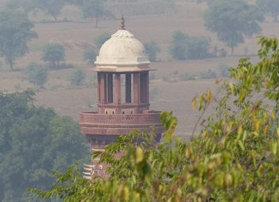 7521957-Elephant_Minar_Fatehpur_Sikri.jpg