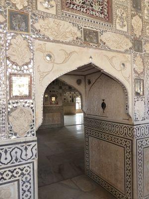 7526166-Sheesh_Mahal_Amer.jpg
