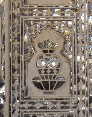 7526168-Sheesh_Mahal_detail_Amer.jpg