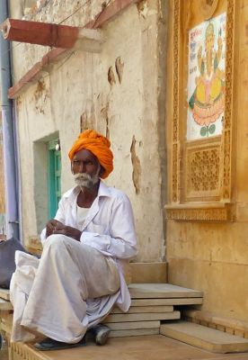 7536618-In_the_old_town_Jaisalmer.jpg