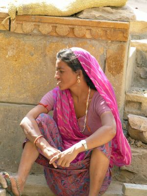 7536619-Local_woman_in_the_fort_Jaisalmer.jpg