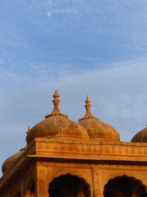7536633-Sunset_at_Vyas_Chhatri_Jaisalmer.jpg