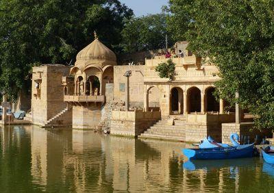 7536718-Gadisar_Lake_Jaisalmer.jpg