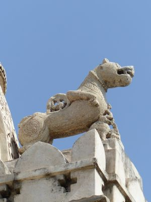 7550829-Temple_roof_detail_Sadri.jpg